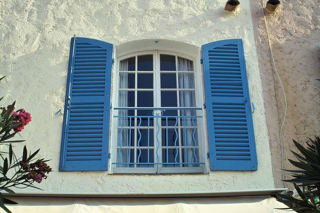 1024px-french_shutters