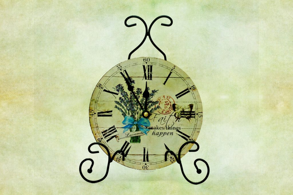 vintage-clock-background