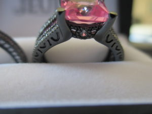 Jeulia Jewelry Pink Sapphire Ring